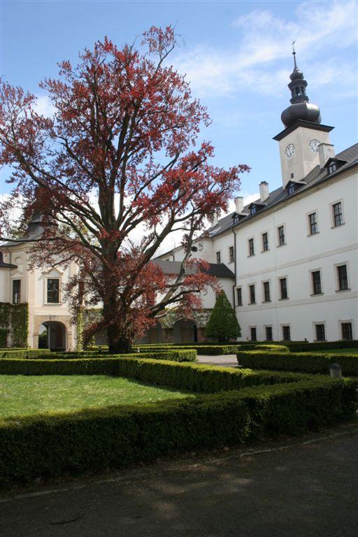 Letohrad zámek a zahrada (12)