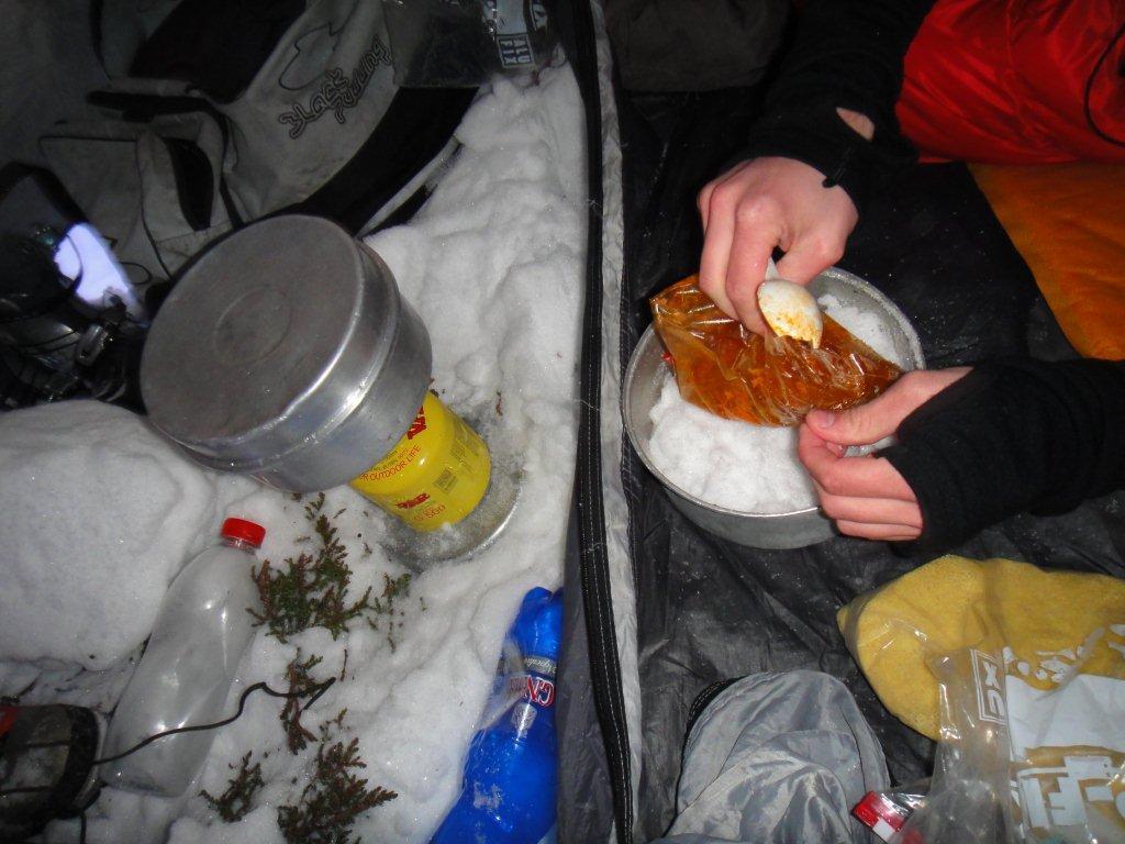 systém stravování - v místních podmínkách fungoval výborně