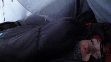 ráno...-sníh nás zasypal více než o půl metru
