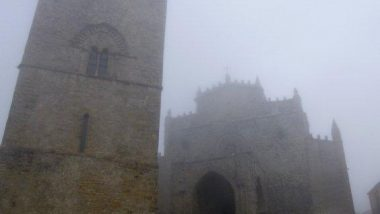 kostel Chiesa Matrice v mlze