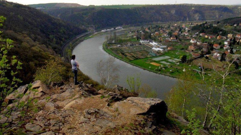 výhled od hradiště Řivnáč