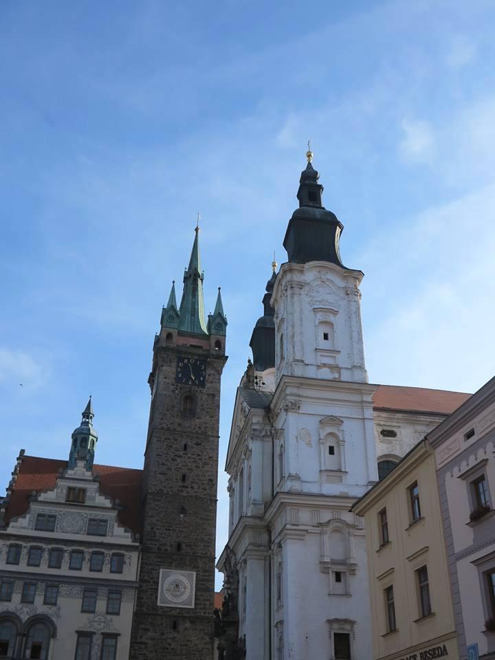 kostel Narození P. Marie a sv. Ignáce a Černá věž
