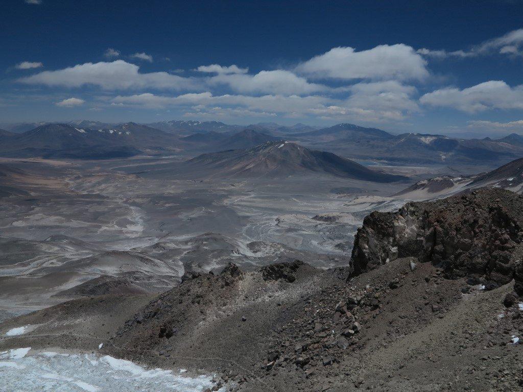 pohled z nejvyšší sopky světa Ojos del Salado