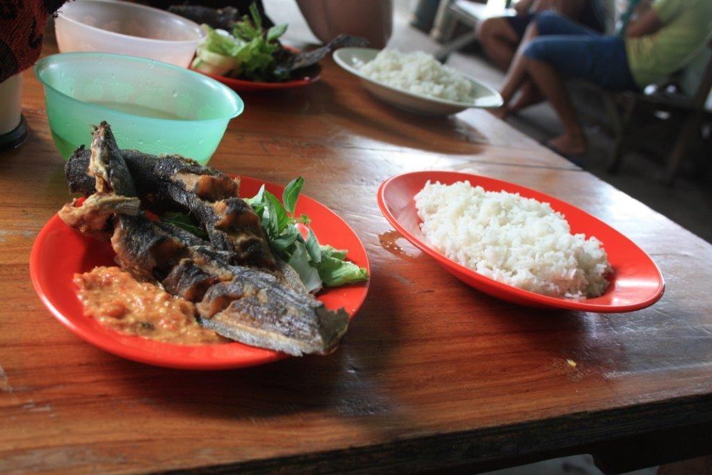 luxusní oběd, ryba lele+ (nečekaně) rýže