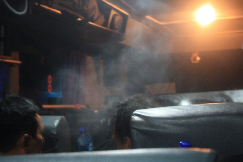 zahulený autobus