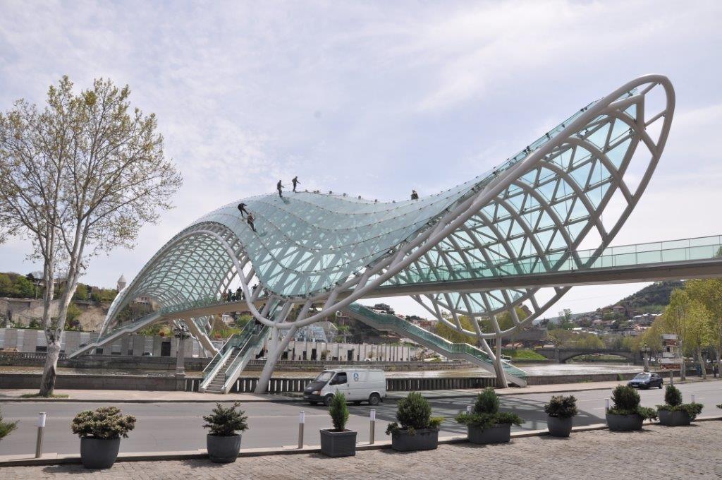 moderní architektura v Tbilisi