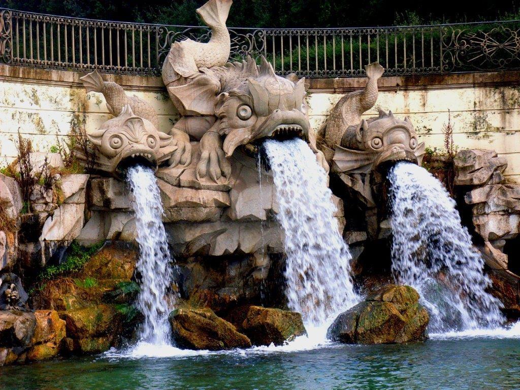Caserta zahrady a fontány