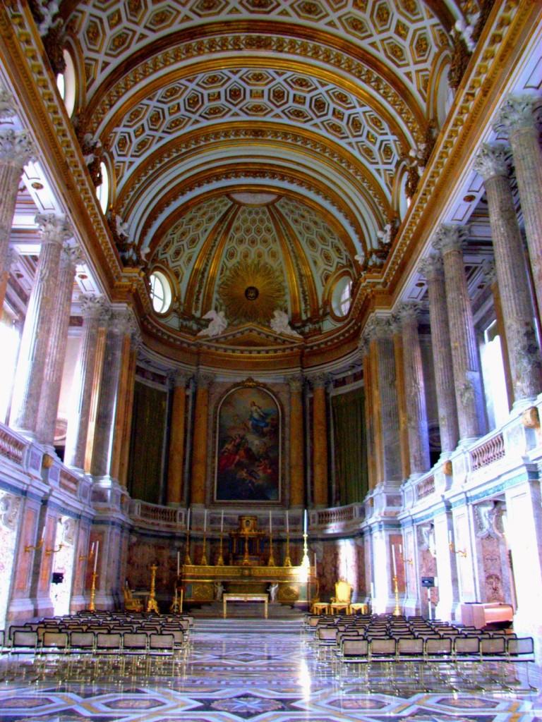 Interiér zámku Caserta
