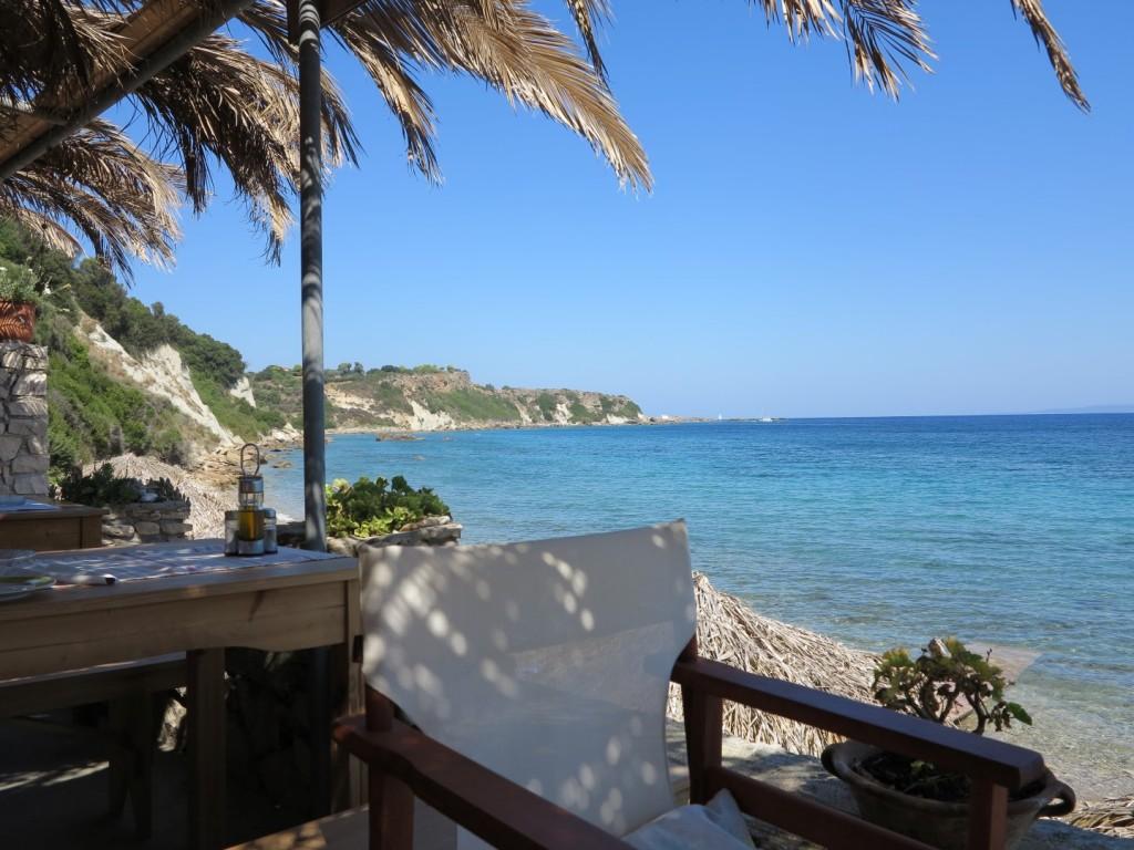 malá taverna Mavratzi Beach