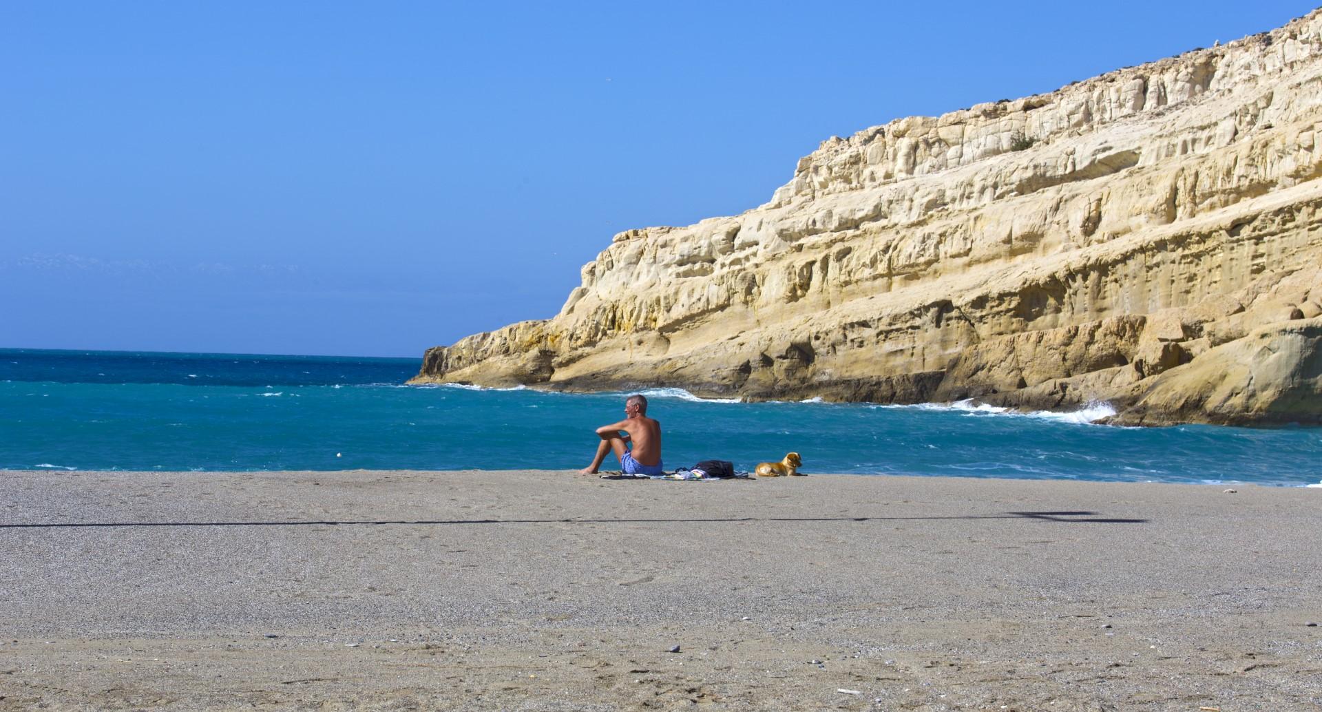 pláž Matala v únoru