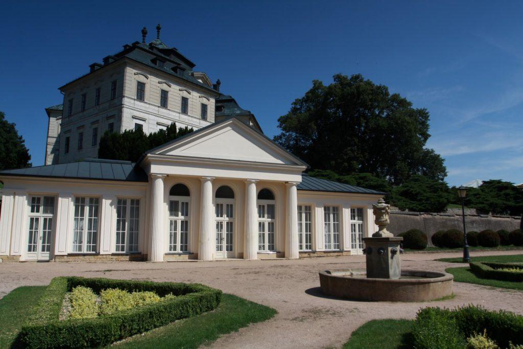 Karlova koruna - zámek Chlumec nad Cidlinou