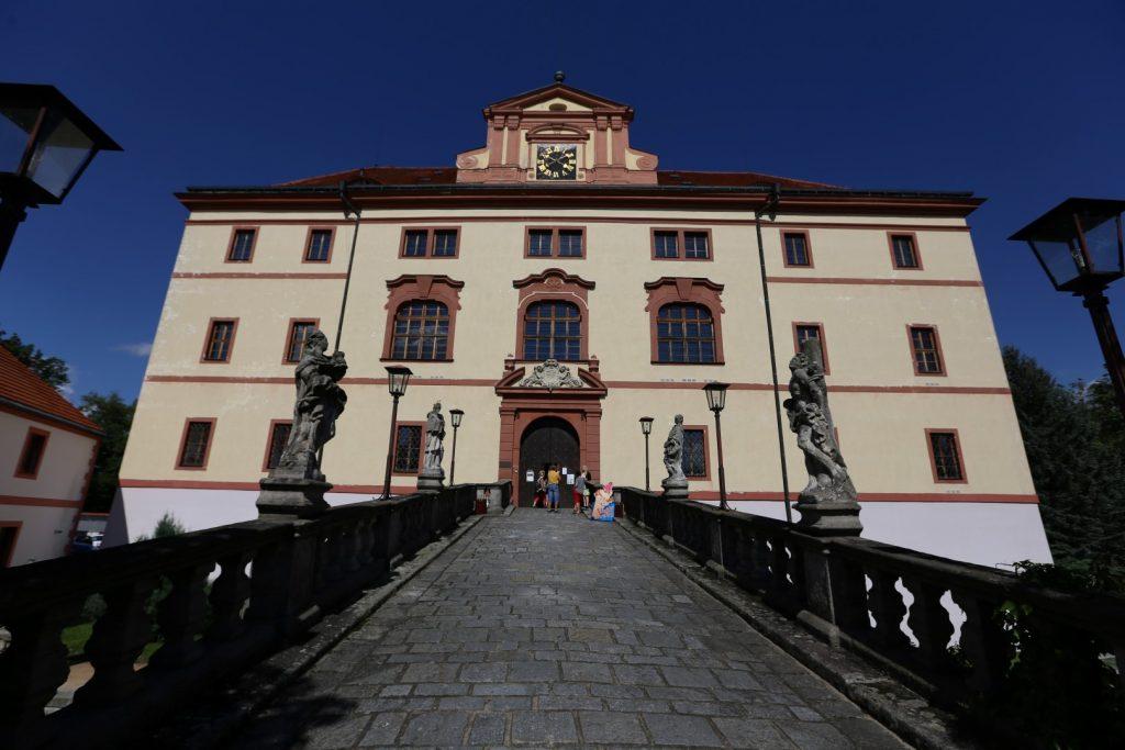 zámek Lnáře