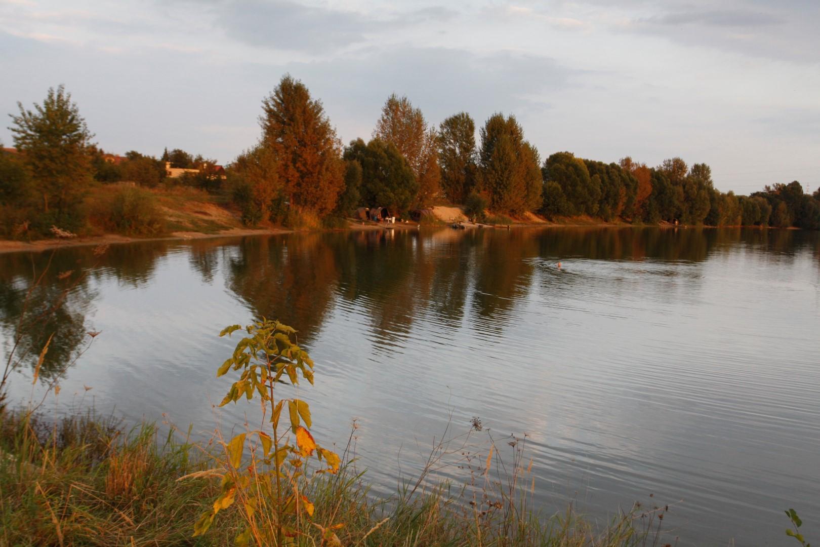 Mezi Mosty - písák Toušeň