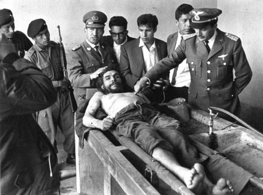 Posmrtná fotografie Che