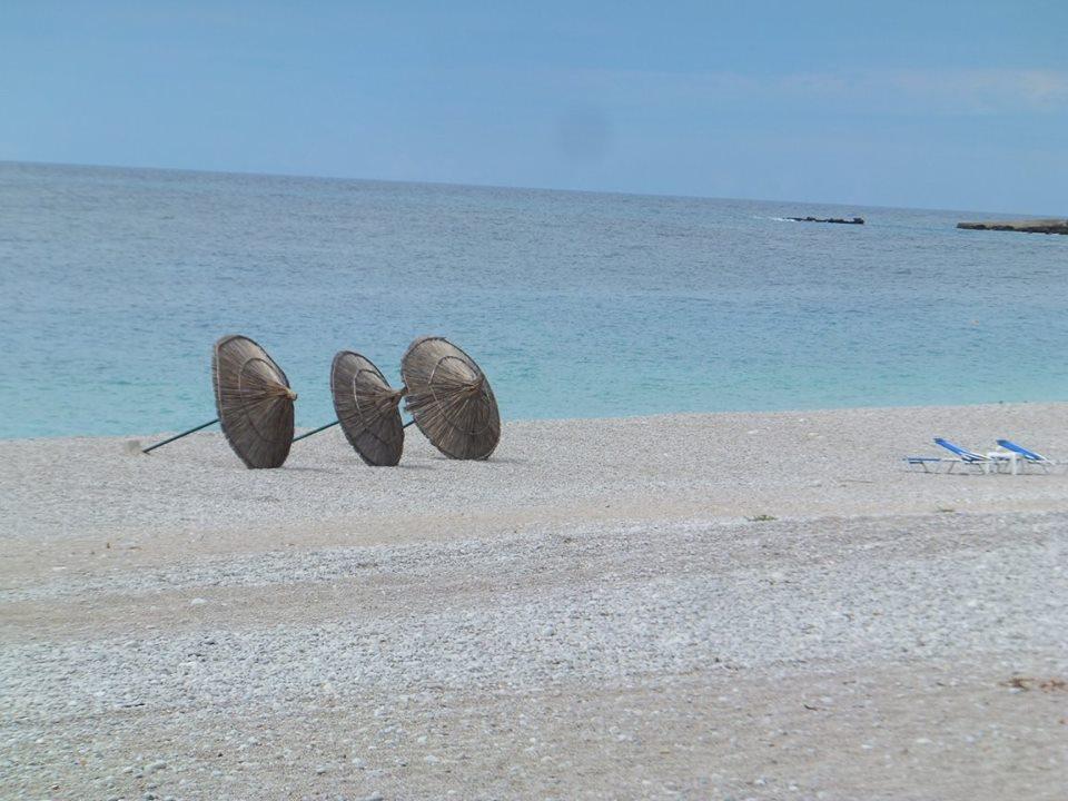Dhemi beach