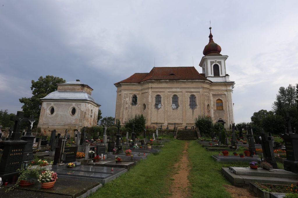kostel sv. Jana Křtitele, Paštiky