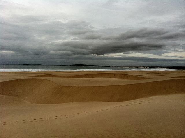 Duny za hotelem