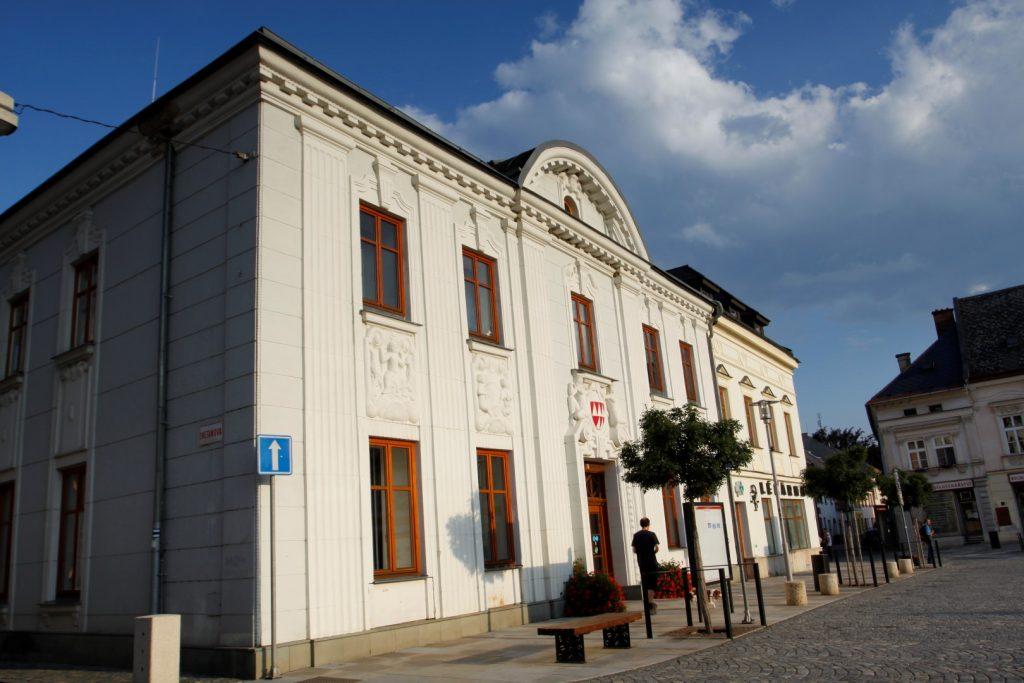 městská radnice Mohlenice
