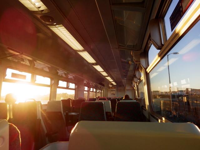 téměř prázdné vlaky