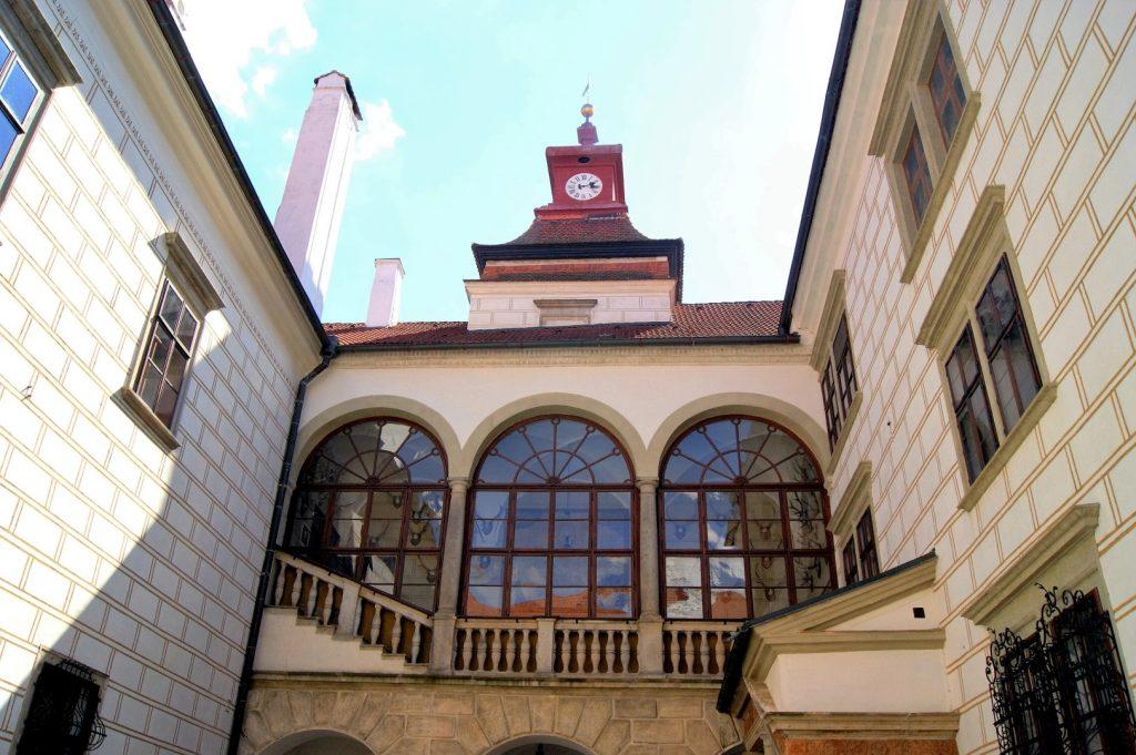 Třeboňský zámek, Malé nádvoří