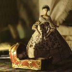 Výstava Small Worlds: Domečky pro panenky